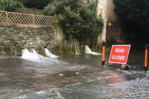 VIDEO: Section of Hyde Hill in Chalford closed due to flooding